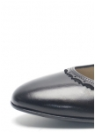 Flat black shoe from Dirndl und Bua/AT