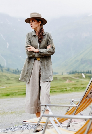 Jessie short coat made of finest goat leather  from Meindl.