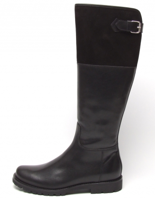 Sporty and elegant boot from Dirndl und Bua