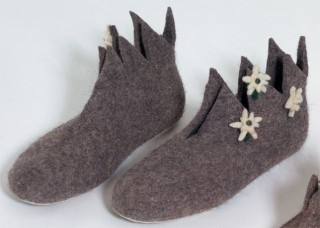 Felt slippers highly serrated with wool Edelweiss.