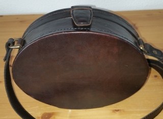 Leather-shoulderbag  from Sima.
