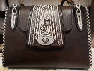 originell handbag with alpin details Sima/Austria.