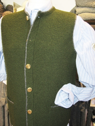 Traditionell sheep-wool vest from Theo Huber/Miesbach.