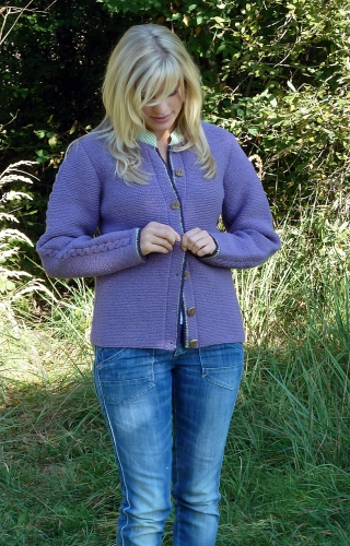Handknitted cardigan Violetta from Theo Huber/Miesbach.